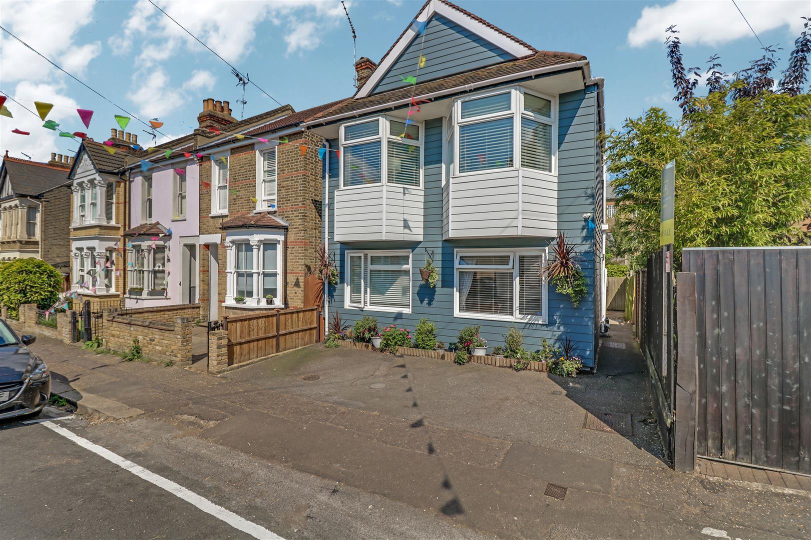Lymington Avenue, Leigh-On-Sea